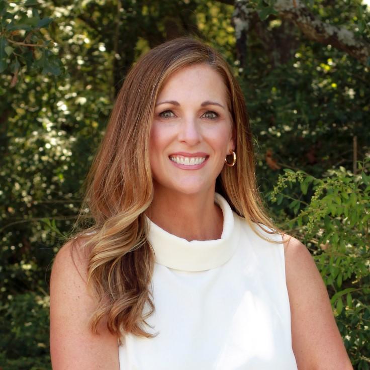 Headshot of Julie Cerny.